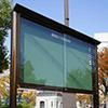 屋外アルミ製 ポスター掲示板の製作事例。公園・公民館など案内の掲示に向く。規格品で比較的低価格